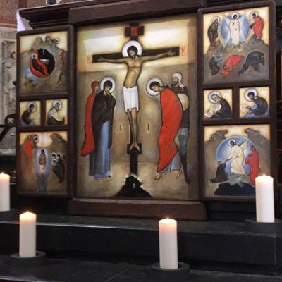 Kraków. Medytacja przed Ikoną Krzyża